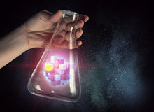 Αριθμός κύβων ως έννοια καινοτομίας Μικτά μέσα Μικτά μέσα Στοκ Εικόνες