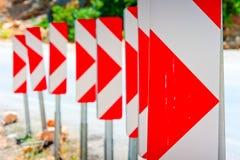 Αριθμός οδικών σημαδιών που προειδοποιούν για την επικίνδυνη στροφή Στοκ εικόνες με δικαίωμα ελεύθερης χρήσης