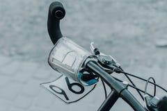 Αριθμός πινακίδας αυτοκινήτου στο ποδήλατο στοκ εικόνες