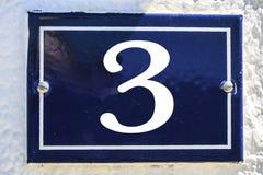 Αριθμός σπιτιού στο μπλε χρώμα Στοκ φωτογραφία με δικαίωμα ελεύθερης χρήσης