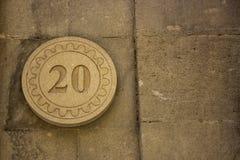 Αριθμός 20 στον τοίχο στοκ φωτογραφίες με δικαίωμα ελεύθερης χρήσης