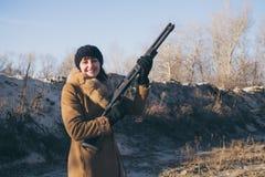 Αριστοκρατική γυναίκα στο κυνήγι Στοκ Φωτογραφίες