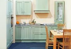 Αριστοκρατικό εσωτερικό κουζινών Στοκ Εικόνες