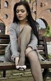 αρκετά βάζει τις νεολαίες γυναικών παπουτσιών Στοκ φωτογραφία με δικαίωμα ελεύθερης χρήσης