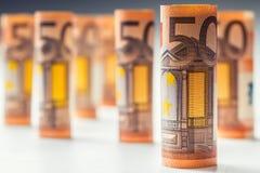 Αρκετά ευρο- τραπεζογραμμάτια που συσσωρεύονται από την αξία Ευρο- τραπεζογραμμάτια ρόλων Ευρο- χρήματα νομίσματος Στοκ εικόνα με δικαίωμα ελεύθερης χρήσης