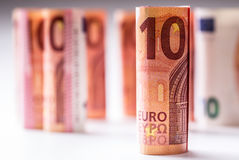 Αρκετά ευρο- τραπεζογραμμάτια που συσσωρεύονται από την αξία Ευρο- τραπεζογραμμάτια ρόλων Ευρο- χρήματα νομίσματος Στοκ Φωτογραφία