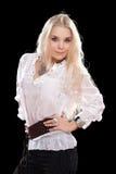 Αρκετά νέος ξανθός στο άσπρο πουκάμισο Στοκ Φωτογραφίες