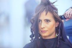 Αρκετά νέο κομμωτήριο γυναικών και κομμωτών Στοκ Φωτογραφία