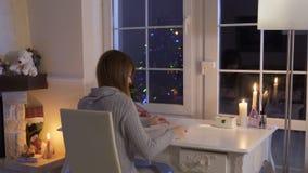 Αρκετά ξανθά βλέμματα η παλαιά λίστα επιθυμητών στόχων της από τα τελευταία Χριστούγεννα απόθεμα βίντεο