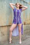Αρκετά ξανθή γυναίκα κοριτσιών στο πουλόβερ turtleneck στοκ φωτογραφία με δικαίωμα ελεύθερης χρήσης