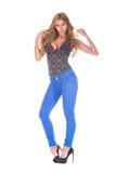 Αρκετά ξανθό πρότυπο στο τζιν παντελόνι Στοκ Φωτογραφία