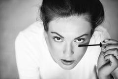 Αρκετά χαριτωμένο κορίτσι με mascara Στοκ φωτογραφίες με δικαίωμα ελεύθερης χρήσης