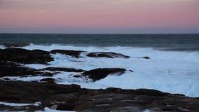Αρκτικός ωκεανός στο ηλιοβασίλεμα κατά τη διάρκεια μιας θύελλας απόθεμα βίντεο
