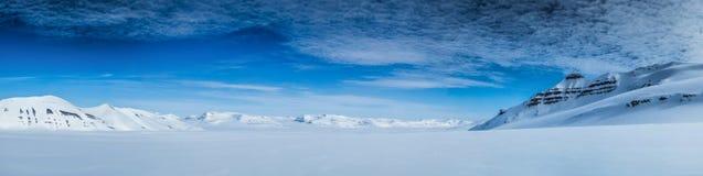 Αρκτικό ελατήριο στο νότο Spitsbergen Στοκ φωτογραφία με δικαίωμα ελεύθερης χρήσης