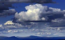 αρκτικό cloudscape πέρα από tundra στοκ φωτογραφίες με δικαίωμα ελεύθερης χρήσης