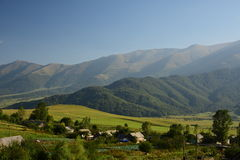 Αρμενικές ορεινές περιοχές Χωριό στα βουνά Στοκ φωτογραφία με δικαίωμα ελεύθερης χρήσης