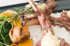 αρνί γευμάτων μπριζολών Στοκ Εικόνες