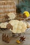 Αρνί μπισκότων αμυγδάλων με τα καρυκεύματα Στοκ εικόνες με δικαίωμα ελεύθερης χρήσης