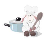 Αρνί ο μάγειρας με ένα ξύλινο κουτάλι και ένα μπλε τηγάνι ελεύθερη απεικόνιση δικαιώματος