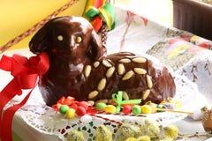 Αρνί 25 Πάσχας σοκολάτας μπροστινή απόμακρη άποψη στοκ εικόνα με δικαίωμα ελεύθερης χρήσης