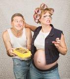 Αρπάζοντας άτομο εγκύων γυναικών Στοκ εικόνες με δικαίωμα ελεύθερης χρήσης