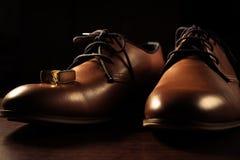 Αρσενικά παπούτσια με τη μανσέτα στοκ εικόνες