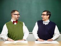 Αρσενικά nerds με τα βιβλία Στοκ Εικόνες