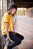 αρσενικές νεολαίες πορ& Στοκ Εικόνες