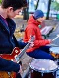 Αρσενική απόδοση των μουσικών οδών Στοκ φωτογραφίες με δικαίωμα ελεύθερης χρήσης