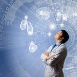 Αρσενική σκέψη γιατρών Στοκ φωτογραφία με δικαίωμα ελεύθερης χρήσης
