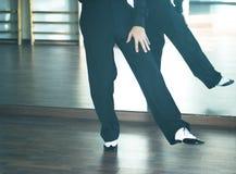 Αρσενικός χορευτής χορού αιθουσών χορού Στοκ εικόνα με δικαίωμα ελεύθερης χρήσης