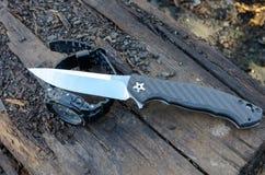 Αρσενικό καθορισμένο - μαχαίρια και ρολόγια Στοκ Εικόνα