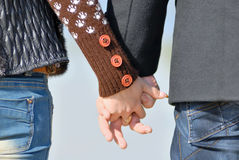 Αρσενικό και θηλυκό χέρι στοκ εικόνα με δικαίωμα ελεύθερης χρήσης