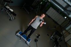 Αρσενικό bodybuilder στοκ εικόνα