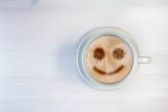 Αρχίστε το πρωί με ένα χαμόγελο Στοκ φωτογραφία με δικαίωμα ελεύθερης χρήσης