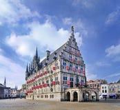 Αρχαία αίθουσα πόλεων στο τετράγωνο αγοράς, γκούντα, Κάτω Χώρες Στοκ φωτογραφία με δικαίωμα ελεύθερης χρήσης