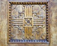 Αρχαία ανασκόπηση πορτών γλυπτικής ξύλινη Στοκ φωτογραφία με δικαίωμα ελεύθερης χρήσης