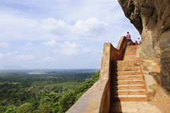 Αρχαία βήματα στο φρούριο βράχου Sigiriya Στοκ Εικόνες