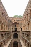 Αρχαία δεξαμενή Agrasen ki Baoli νερού, με τις αψίδες ορατές Στοκ εικόνες με δικαίωμα ελεύθερης χρήσης