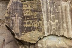Αρχαία επιτροπή τέχνης βράχου με Petroglyphs Στοκ Φωτογραφία