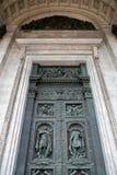 Αρχαία διακοσμημένη πόρτα, καθεδρικός ναός του ST Isaac, Αγία Πετρούπολη Στοκ φωτογραφίες με δικαίωμα ελεύθερης χρήσης
