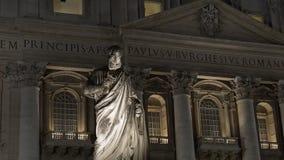 Αρχαία ιταλική βασιλική του ST Peter εκκλησιών και μαρμάρινο μνημείο στη πόλη του Βατικανού απόθεμα βίντεο