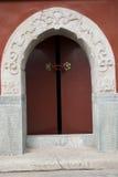 Αρχαία κτήρια της Κίνας, η κόκκινη πόρτα Στοκ φωτογραφία με δικαίωμα ελεύθερης χρήσης