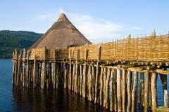 αρχαία λίμνη κατοικιών crannog στοκ εικόνες με δικαίωμα ελεύθερης χρήσης
