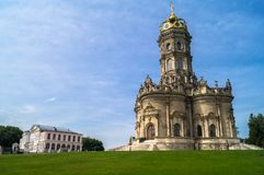 Αρχαία Ορθόδοξη Εκκλησία του σημαδιού της γυναικείας Znamenskaya εκκλησίας μας στο φέουδο Dubrovitsy, Ρωσία Στοκ Εικόνες