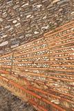 Αρχαία πέτρα επίστρωσης με τα διακοσμητικά στοιχεία Στοκ Εικόνες