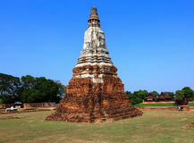 Αρχαία παγόδα επί του ιστορικού τόπου στην επαρχία Ayuttaya, Thailan στοκ εικόνα
