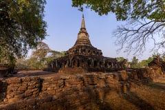 Αρχαία παγόδα με τα συνημμένα αγάλματα ελεφάντων σε Wat Chang Lom α στοκ εικόνες με δικαίωμα ελεύθερης χρήσης