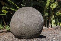 Αρχαία προ κολομβιανή σφαίρα πετρών της Κόστα Ρίκα Στοκ Φωτογραφία