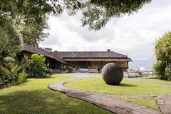 Αρχαία προ κολομβιανή σφαίρα πετρών της Κόστα Ρίκα Στοκ Εικόνες